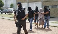 Sotia lui Yassin Salhi, presupusul terorist din Isère, arestatà preventiv vineri, a fost eliberatà