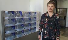 """Ștefan Petrea, fost olimpic al Liceului de Informatică """"Grigore Moisil""""din Iaşi, a deschis rimul automat cu mâncare caldă din Iași."""