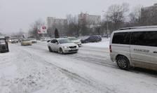 Trafic în condiţii de iarnă (Sursa foto: RFI/Cosmin Ruscior)