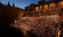 Spectacol în curtea de onoare a Palatului Papal, Avignon