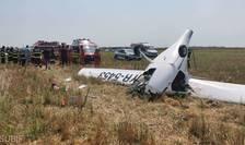 Un avion de mici dimensiuni s-a prăbușit în Chitila ( Foto ISU Bucuresti Ilfov )