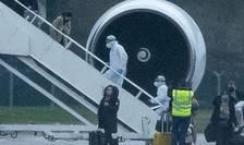 Avion cu pasageri britanici venind din China