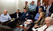 Membri ai administratiei Obama în jurul presedintelui amercian în momentul asasinării lui Usama ben Laden