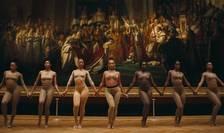 Beyoncé în fata Le Sacre de Napoléon - Încoronarea lui Napoléon de Jacques-Louis David