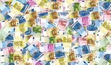 Cum ajuți salariații afectați de criză? Direct, ca în SUA, sau prin companii, ca în România?