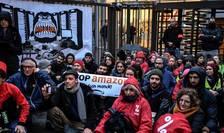 Acţiune anti-Black Friday la Clichy, în nordul Parisului, 29 noiembrie 2019
