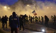 Veste galbene dispersate cu gaze lacrimogene la Burges, 12 ianuarie 2019