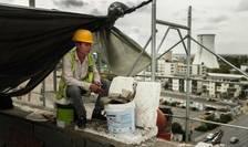 Lucrator vietnamez, pe un şantier în sudul Bucureştiului, 26 septembre 2019.