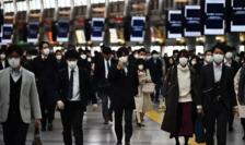 În metroul din Tokyo, 16 aprilie 2020.