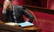 Premierul Edouard Philippe în cursul unei sesiuni parlamentare, 24 martie 2020.
