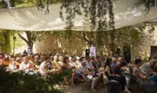"""""""Ça va, ça va le monde"""" - ciclu de lecturi organizate în fiecare an de RFI la Festivalul de la Avignon."""
