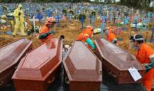 Sicrie pentru persoane decedate de coronavirus, Manaus, Brzilia, mai 2020
