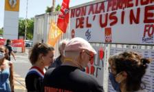 Manifestaţie pe 30 mai 2020 în faţa uzinei Renault de la Maubeuge împotriva unei delocalizari