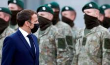Emmanuel Macron inspectînd trupele franceze din cadrul dispozitivului NATO, Rukla, Lituania, 29 septembrie 2020.