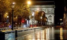 Bulevardul Champs-Élysées pustiu pe 28 octobre 2020.