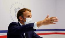 Emmanuel Macron la Ford de Brégançon pe 11 august 2021.