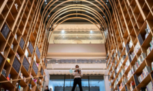 Centrul Haruki Murakami conceput de arhitectul Kengo Kuma