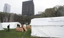 O organizație caritabilă creștină ridică un spital de campanie cu 68 de paturi în Parcul Central, peste drum de spitalul Mt. Sinai din New York.
