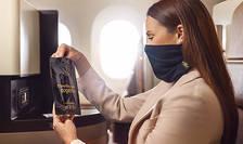 Compania aeriana Etihad Airways propune clientilor sai de la clasa Business o eleganta masca de protectie, reutilizabila si tratata antimicrobian.