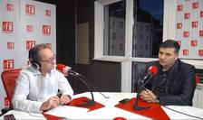 Constantin Rudniţchi și Alexandru Petrescu in studioul de emisie RFI