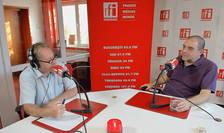 Constantin Rudniţchi și George Butunoiu in studioul de emisie RFI Romania