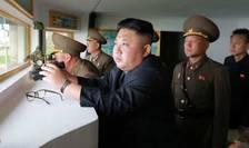 Liderul nord-coreean Kim Jong-un asistă la lansarea unei rachete (Foto: KCNA via Reuters/arhivă)