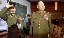 Fostul şef al armatei nord-coreene, Hyon Yong Chol (d), aici la Moscova, în aprilie anul acesta (Foto: Reuters/Sergei Karpukhin)