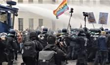Proteste violente la Berlin (Foto: Twitter)
