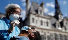 Franţa a depăşit în acest final de octombrie pragul de un milion de persoane contaminate.