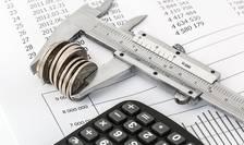 Simptomele crizei: investiții străine reduse, ieșiri de bani din țară, o veste bună de la industria de tehnologia informației