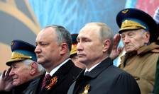 Igor Dodon (stânga), alături de Vladimir Putin (dreapta)