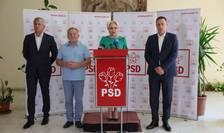 Dumitru Buzatu (al doilea din stânga), lângă Viorica Dăncilă (Sursa foto: site PSD)