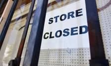 Economia americana a înregistrat pierderi masive în aprilie când aproape întreaga activitate a fost oprita - comert si uzine - pentru a se lupta împotriva coronavirusului.