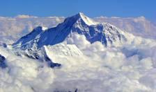 Muntele Everest s-a deplasat, după seismul din Nepal.