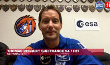 Astronautul francez Thomas Pesquet, intervievat, în duplex de la Cap Canaveral, de colegii francezi de la RFI si France 24. 19 aprilie 2021.