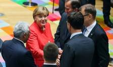Doamna Angela Merkel discutînd cu responsabili europeni despre reuniunea G20 de la Hamburg