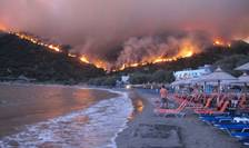 Cel puţin 74 de oameni şi-au pierdut viaţa în incendiile de vegetaţie din împrejurimile Atenei