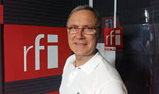 Dan Mocanu in studioul de inregistrari radio RFI Romania