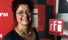 Mihaela Gînju in studioul de inregistrari RFI Romania