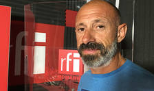 Paul Dicu in studioul RFI Romania
