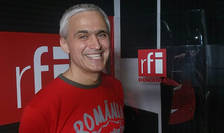 Daniel Lixandru in studioul radio RFI