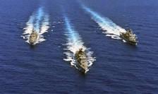 Fotografie furnizata de ministerul grec al Apararii ce arata nave de razboi într-un exercitiu militar în Mediterana orientala, 25 august.