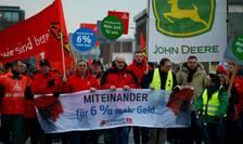 Manifestatie pe 9 ianuarie la Mannheim la initiativa sindicatului IG Metall petru reducerea saptamînii de lucru si cresterea salariilor cu 6%
