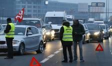 Soferii de taxi blocheazà accesul spre aeroportul parizian Charles-de-Gaulle, 26 ianuarie 2016