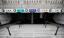 Staţie de metrou închisă la Paris.