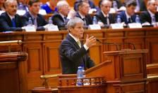 Premierul Dacian Cioloş, în faţa Parlamentului