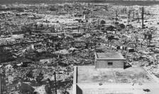 Ruinele orasului Hiroshima câteva zile dupà bombardamentul atomic din 6 august 1945