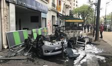Masinà incendiatà în marginea manifestatiei din 1 mai 2018