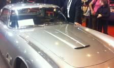 Corneliu Nàstase, patronul firmei RetroRoadster, alàturi de un Maserati 3500 GT