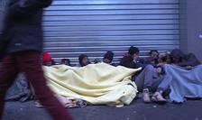 Refugiati pe o stradà din Paris, 10 ianuarie 2017